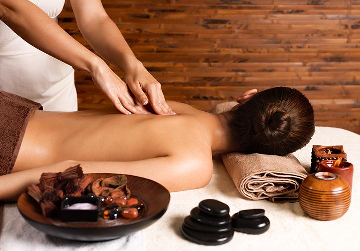 masaje-descontracturante-barcelona-lasergo